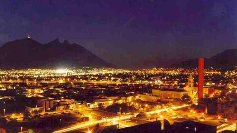 monterrey-night